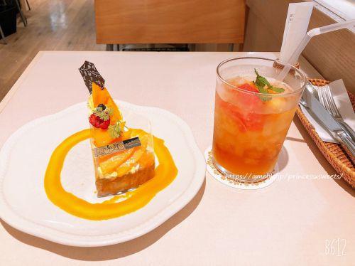宮崎マンゴーと杏仁クリームのベイクドチーズタルト♡ラ・メゾンアンソレイユターブル