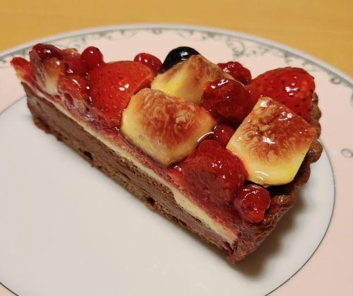 イチジクと赤いフルーツのチョコレートタルト@キルフェボン