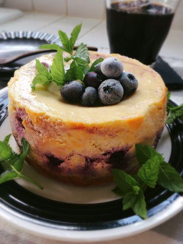 滑らか美味しいチーズケーキ[ブルーベリーとチョコレート]
