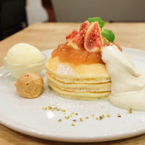 ★三軒茶屋★パンケーキママカフェVoiVoi 68  -とろけるイチジクと黒糖にきな粉バター♪-