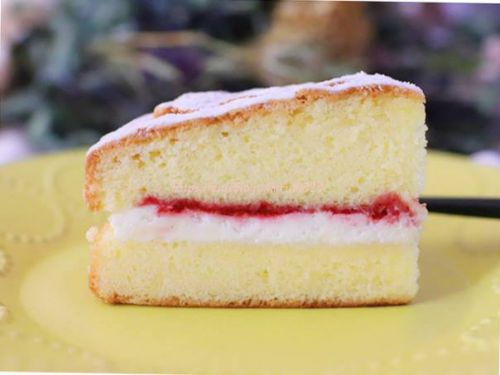 年内は明日まで。バランス最高なビクトリアケーキ♪