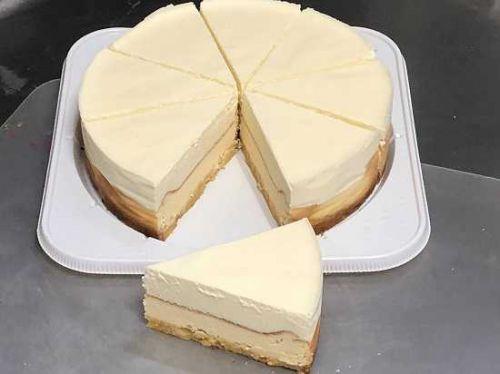 期待を裏切らない定番アイテム「ダブルチーズケーキ」